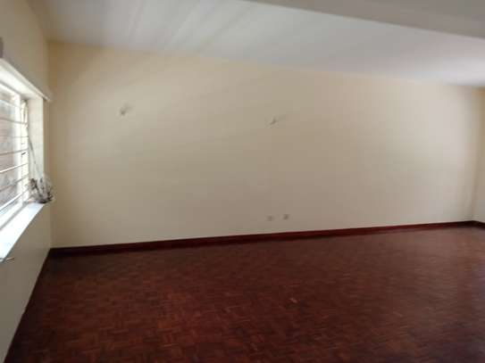 3 bedroom townhouse for rent in Kilimani image 4
