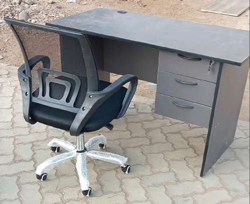 Black adjustable office chair with 3 drawers desk image 1