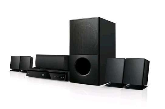 LG LHD627 5.1 channel hometheatre special offer
