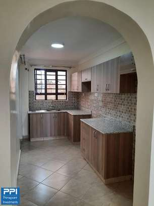 Executive 2 Bedroom Apartment To Let in Ruaka At 33K image 13