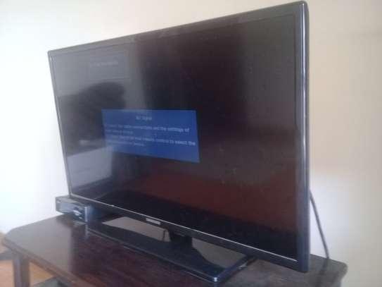 '32 inch Samsung LED TV image 1