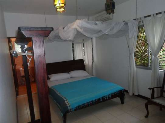 4 bedroom house for sale in Mkomani image 14