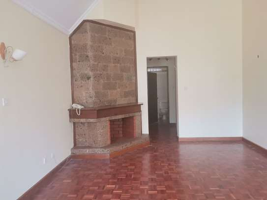 CLEAN AND SPACIOUS 5BEDROOM TOWNHOUSE WITH DSQ image 12
