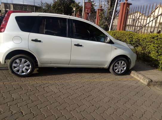 Nissan Note 2009 model on quick sale image 10