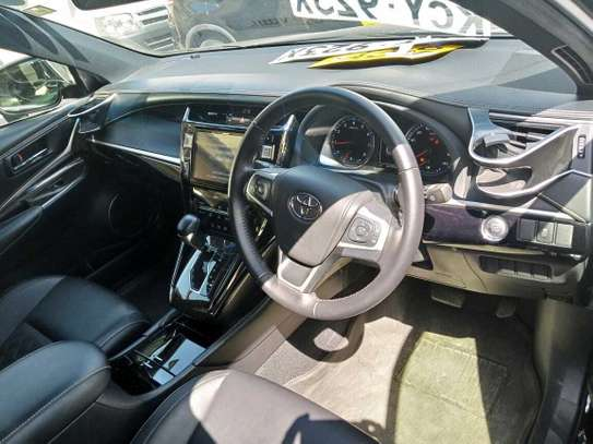 Toyota Harrier image 9