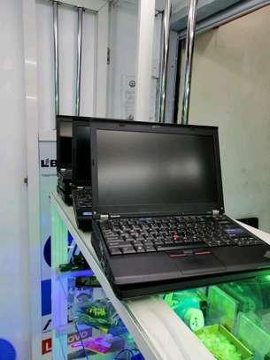 Lenovo ThinkPad X250 i5-5300U 4GB 500gb Laptop image 2