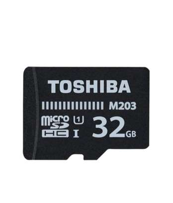 Toshiba Micro SD Memory Card With Adapter M203 100Mbs- 32GB - Black image 2
