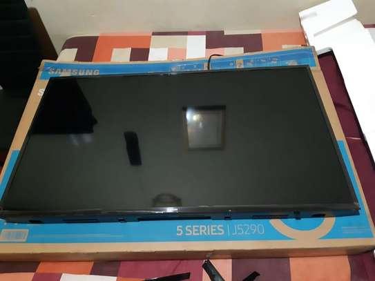 Samsung UA49N5300 - 49 Inches - Flat Smart LED TV - Full HD - New 2018 Model image 2