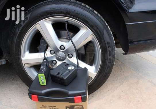 Car Jump Starter With Air Compressor image 2