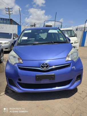 Toyota Ractis image 2