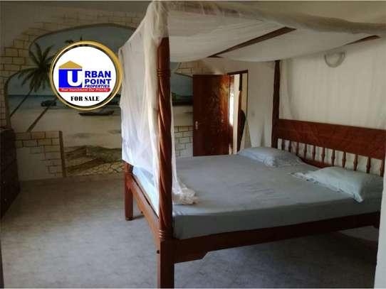 4 bedroom house for sale in Watamu image 17