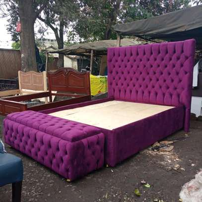 5x6 buttoned bed with storage box