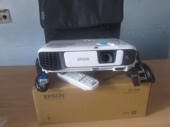 Epson EB W41, WXGA, projector image 1