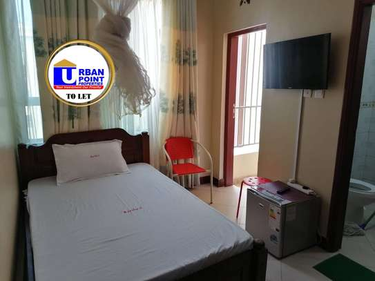 Furnished 3 bedroom apartment for rent in Shanzu image 9