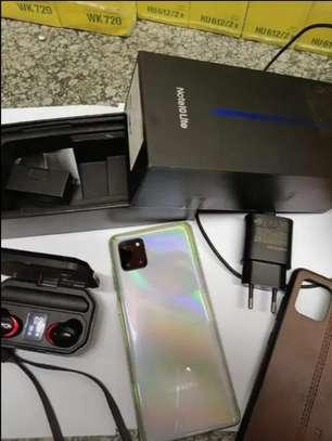 Samsung Galaxy note 10 lite image 2