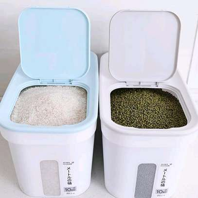 *Cereals/Rice holder* ?Can hold upto 10kgs ?Can be used to store dry goods( rice, floor, beans, spices, pets food ?Convenient, unique and stylish ?Has wheels for easy mobility *Price 1800 /= image 2
