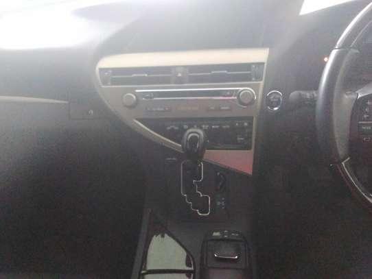 Lexus LX image 4
