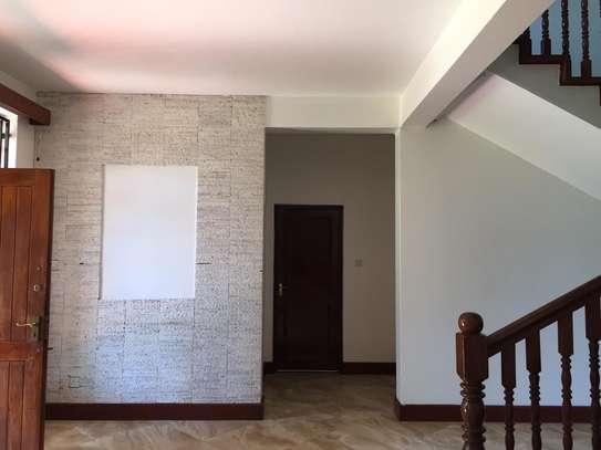4 bedroom apartment for rent in Runda image 4
