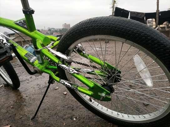 Kid Bike 20 Inch Ex Uk BMX image 5