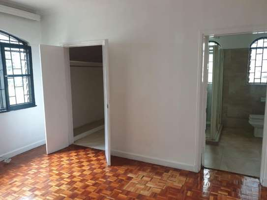 3 bedroom house for rent in Muthaiga Area image 10