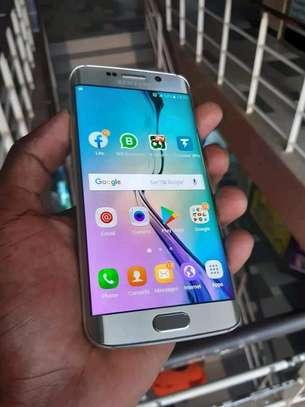mobile phone Samsung s6edge image 1