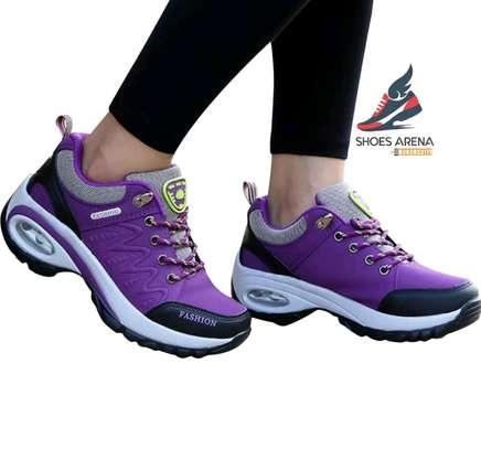 Women Fashionable sneakers image 2