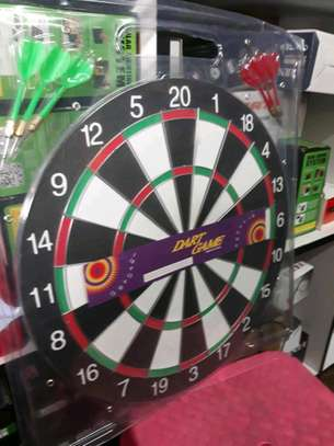 dart game with 6arrows image 1