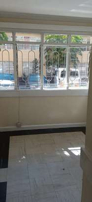1 bedroom apartment for rent in Kilimani image 10