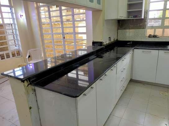 granite countertops..... image 9