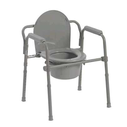Commode chair. image 1