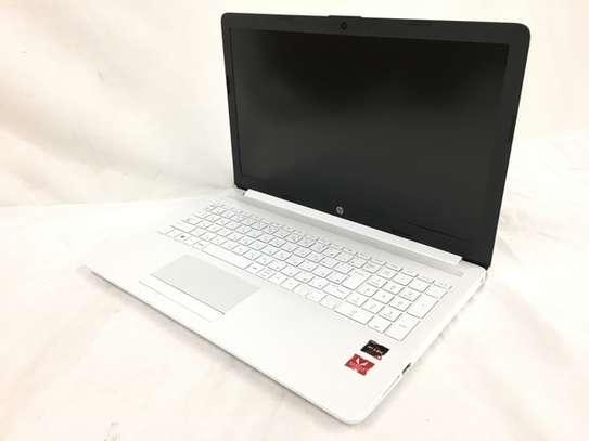 HP 15 Ryzen 3 8/256 SSD image 2
