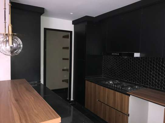 2 bedroom apartment for rent in Brookside image 3