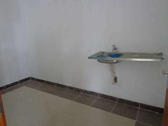 6500 ft² warehouse for rent in Mombasa Road image 14