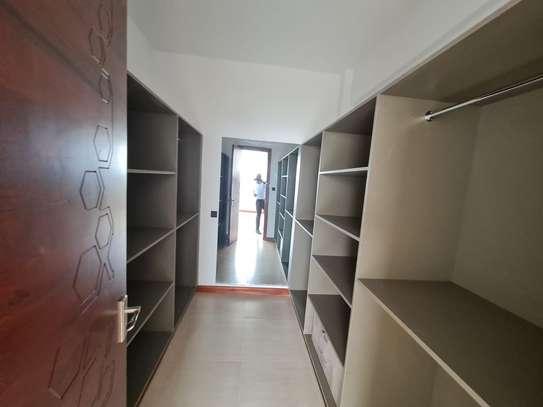 5 bedroom apartment for rent in General Mathenge image 10