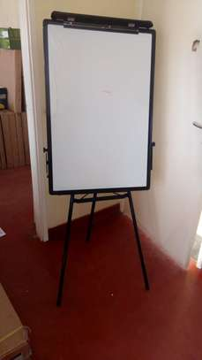 FLIP CHART FOR HIRE  AND SALE image 1
