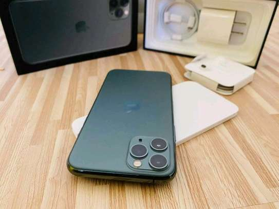 Apple Iphone 11 Pro 512 Green With Airpods image 1