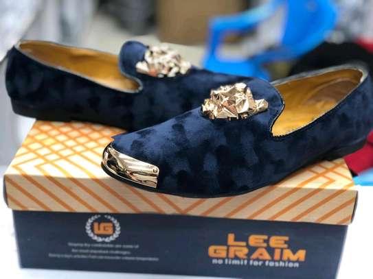 Ladies shoe image 2