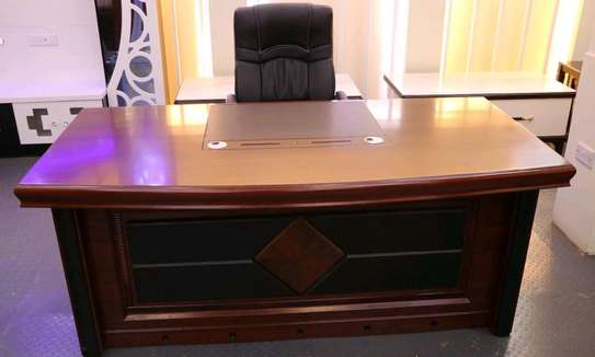 Executive office desk 1.6meters image 1