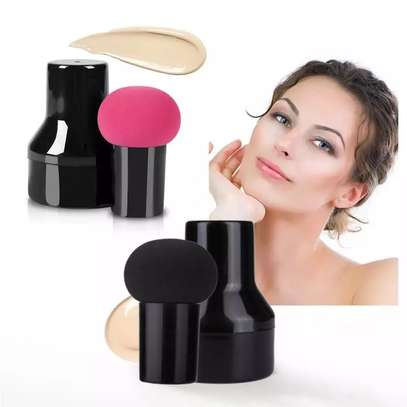 Beauty Blender with Handle image 1