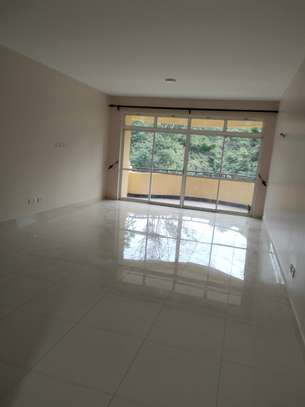 4 bedroom apartment for rent in Riverside image 4