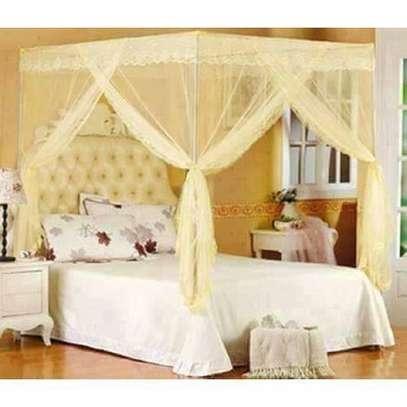 Universal Mosquito Net with Metallic Stand - Cream image 1