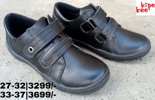 Zipper school shoes