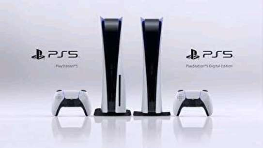 PS5 Standard Edition with Disk Tray + Free Game. image 4