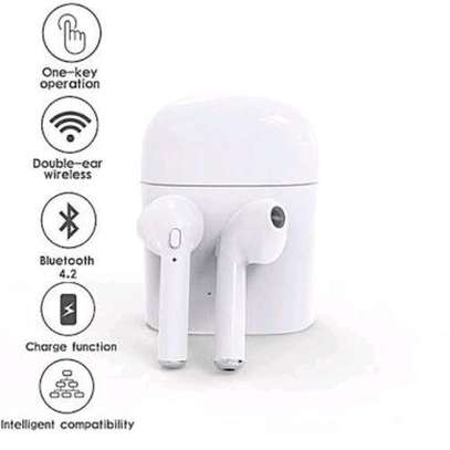 wireless earphone image 1