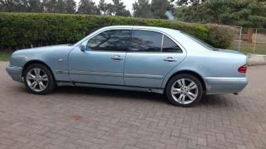 1993 Mercedes-Benz E200 KAS auto petrol drives smooth Mint image 3