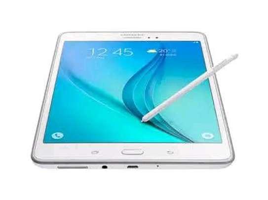 Samsung Galaxy Tab A SM-T350 8-Inch Tablet (16 GB, Titanium) image 1