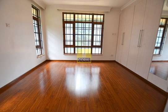 4 bedroom house for rent in Rosslyn image 11