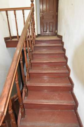 4 bedroom apartment for rent in Kilimani image 11