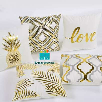 Home sparkling Throw pillows image 4