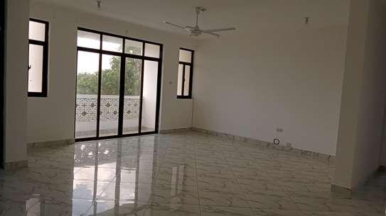 Three bedroom apartments to let at nyali Mombasa Kenya image 3